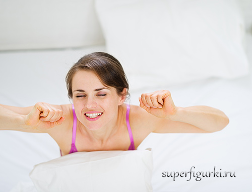 тренировка дома лежа в кровати